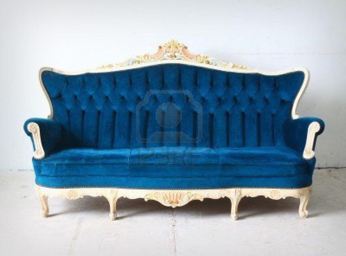 Sof vintage azul cer leo con capiton y estructura en blanco decapado decoraci n en color - Sofa terciopelo azul ...