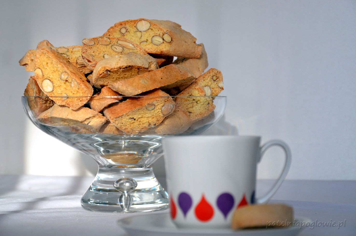 Cantucci, cantuccini - delicious cookies/ biscuits with almonds.