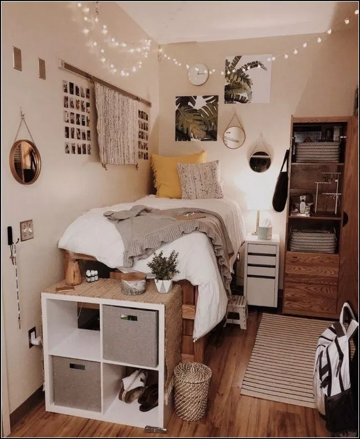 193 Fantastic College Dorm Room Decor Ideas And Remodel Page 20 Myyhomedecor Com Cool Dorm Rooms College Dorm Room Decor Small Room Bedroom