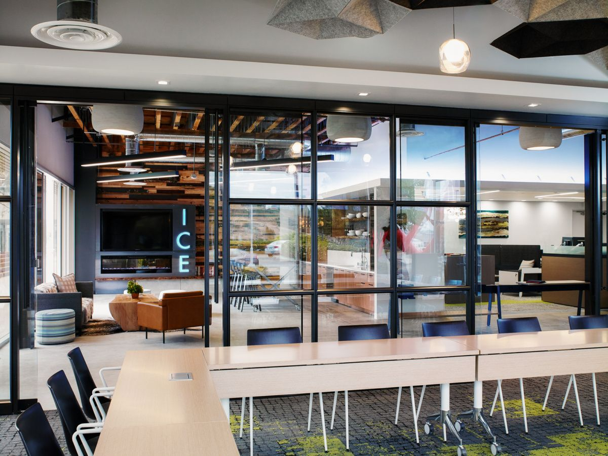 Innovative Commercial Environments Offices and Showroom