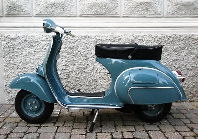 vintage italian scooter - HD1433×1010