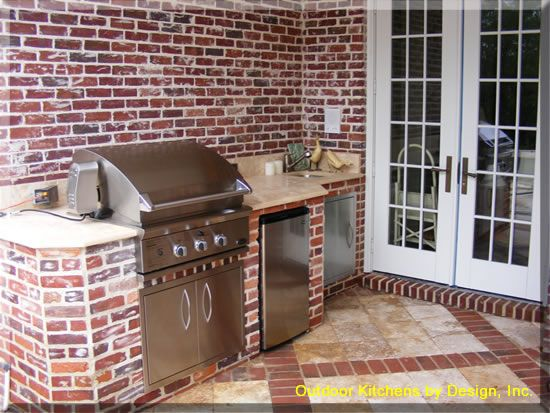 Outdoor Kitchen In Red Brick To Match The Exterior Walls Okay Now I Am Just Wishful Thinking Outdoor Kitchen Backyard Decor Outdoor Rooms