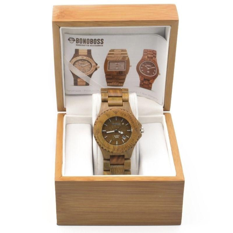 Reloj de madera de Sándalo natural, Kunza fabricado con moviemiento Quartz Japonés garantizado por un año, dial de 42mm, incluye garantía y empaque de madera de regalo, encuéntralo en www.bonoboss.cl y en nuestras tiendas de Santiago y Maitencillo!.   #Bonoboss #lentes #sunglasses #chile #design #handmade #wood #wooden #madera #hechoamano