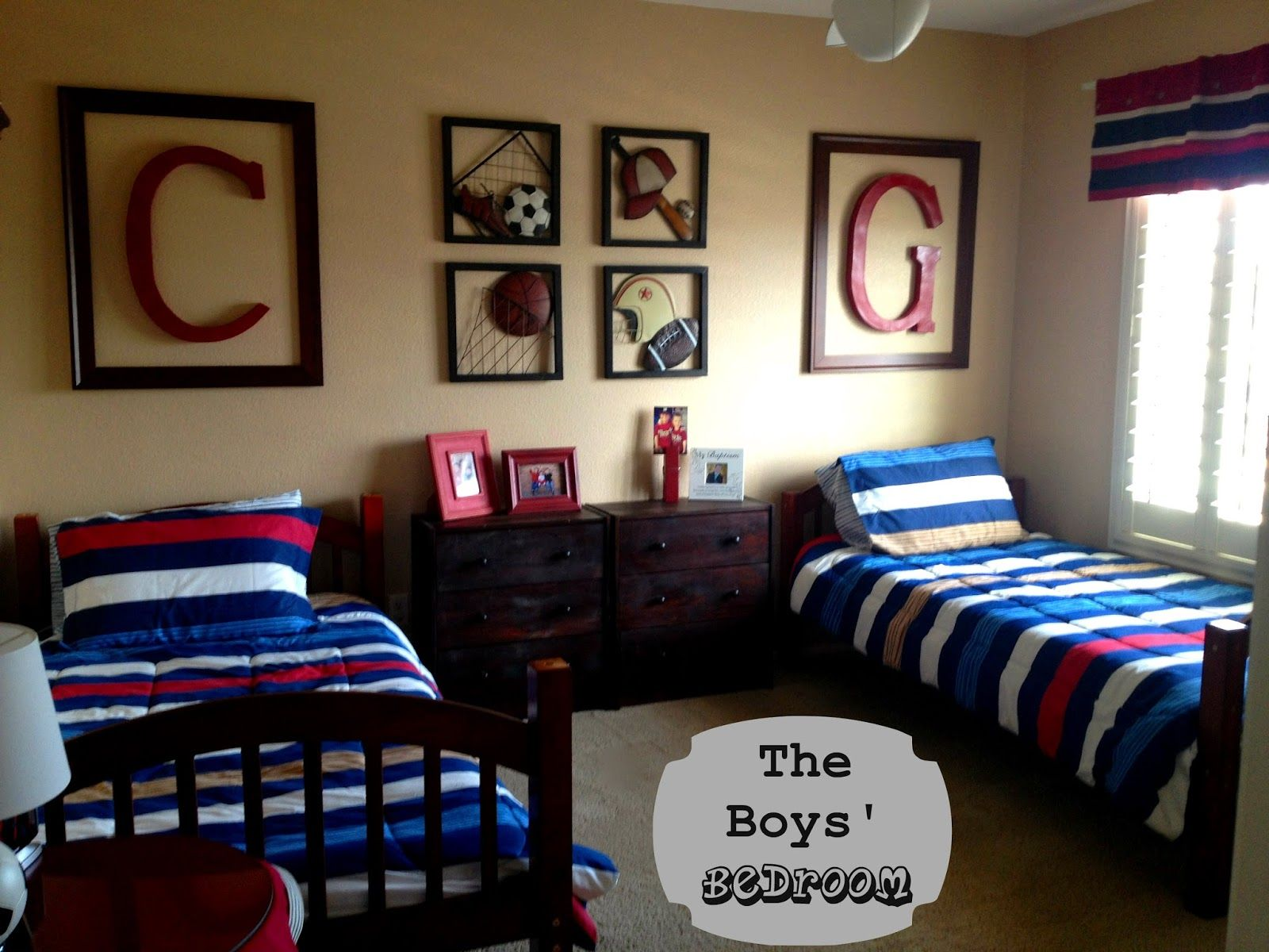 the boys sports themed bedroom i love the large framed initials - Boys Bedroom Decorating Ideas Sports
