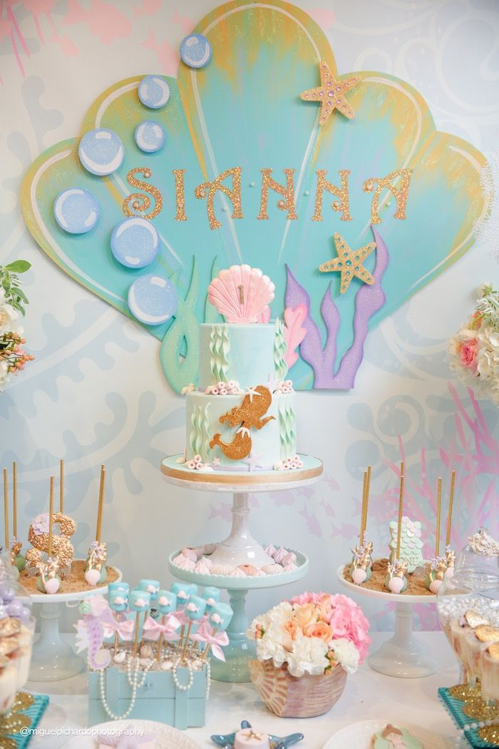 Cakescape from a pastel mermaid birthday party via kara 39 s for Fiesta tematica sirenas