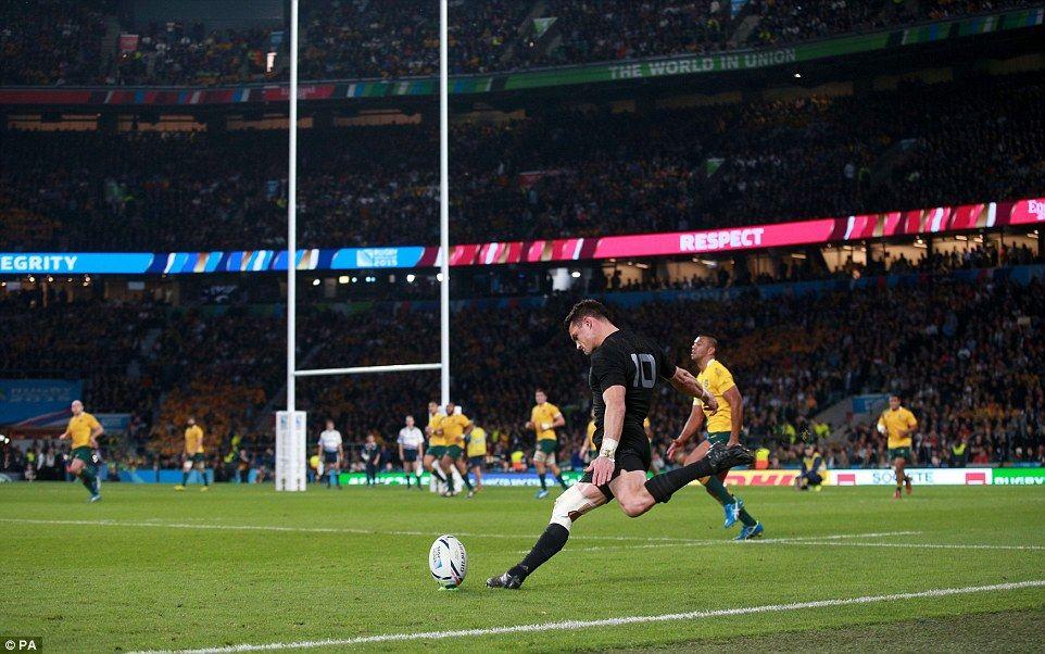 New Zealand 34 17 Australia All Blacks Claim Third World Cup Crown Rugby World Cup Richie Mccaw Dan Carter