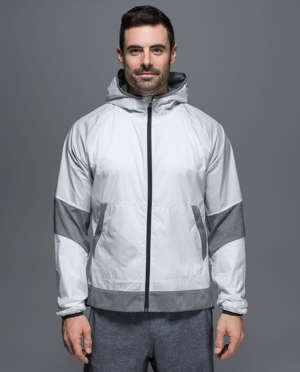 In love the with color scheme. We built this lightweight shell with ventilation and reflectivity to get you from your a-game to beers with buds. It's made with Glyde fabric to help protect you from the elements and has strategically placed Mesh panelling and perforation to help you blow off post-sweat steam.