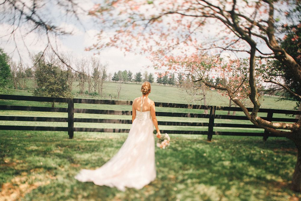 Pink and bright Kentucky wedding