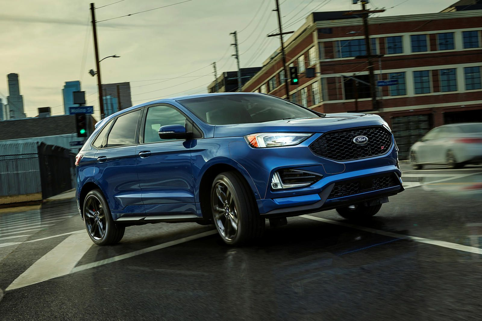 2019 Ford Edge Can Seamlessly Switch Between Awd And Full Front