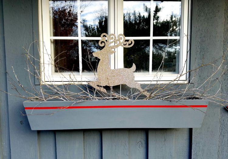 Blumenkasten Weihnachtlich Dekorieren blumenkasten weihnachtlich dekorieren zweige renntier ohne