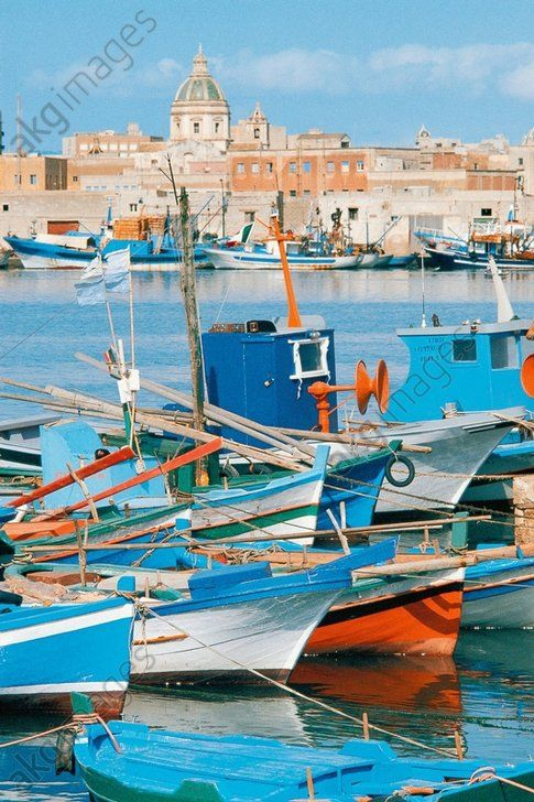 Fishing Vessels In Harbour Of Trapani Sicily Italy Paysage