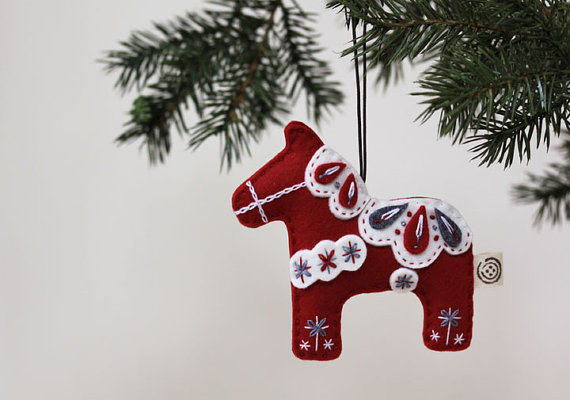 nikkies felt dala horse christmas by nikkiesneedlework on etsy