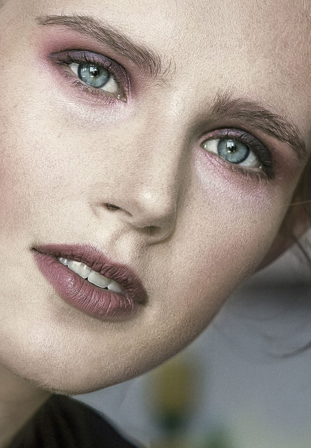 Model: Sarah Froewis