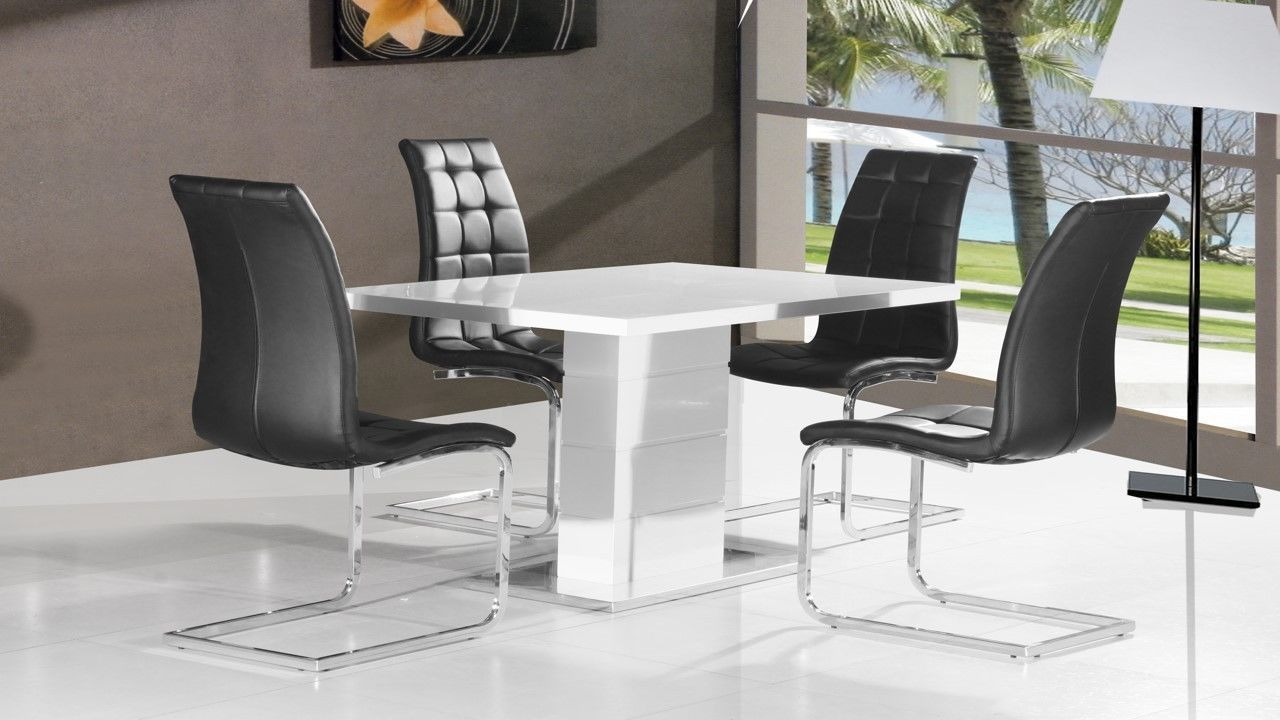 White High Gloss Kitchen Table and Chairs - Rustic Kitchen ...