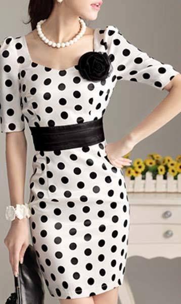 Vestido negro con vivos blancos