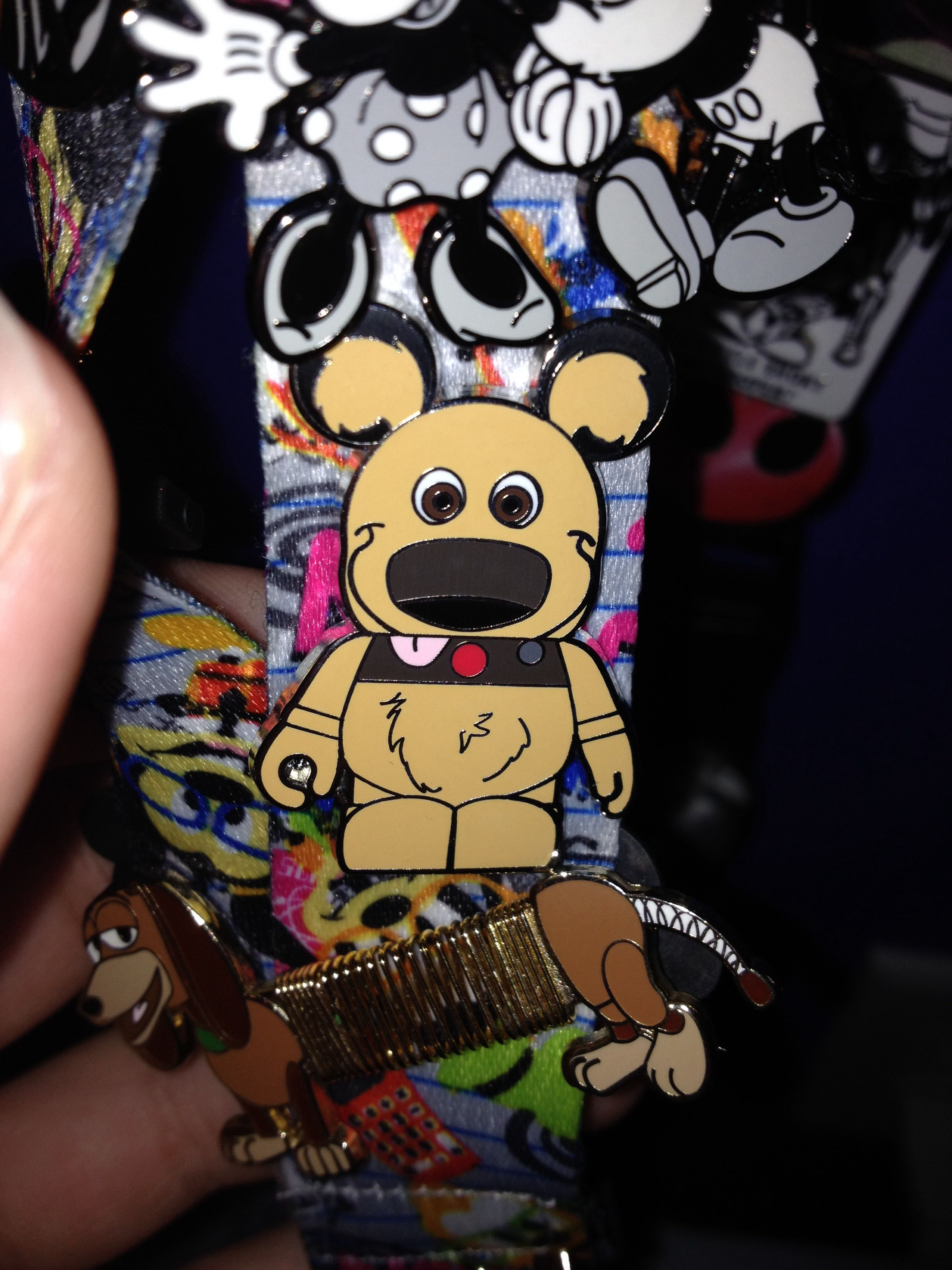 Disney pin   Disney pins, Disneyland pins, Disney pin ...