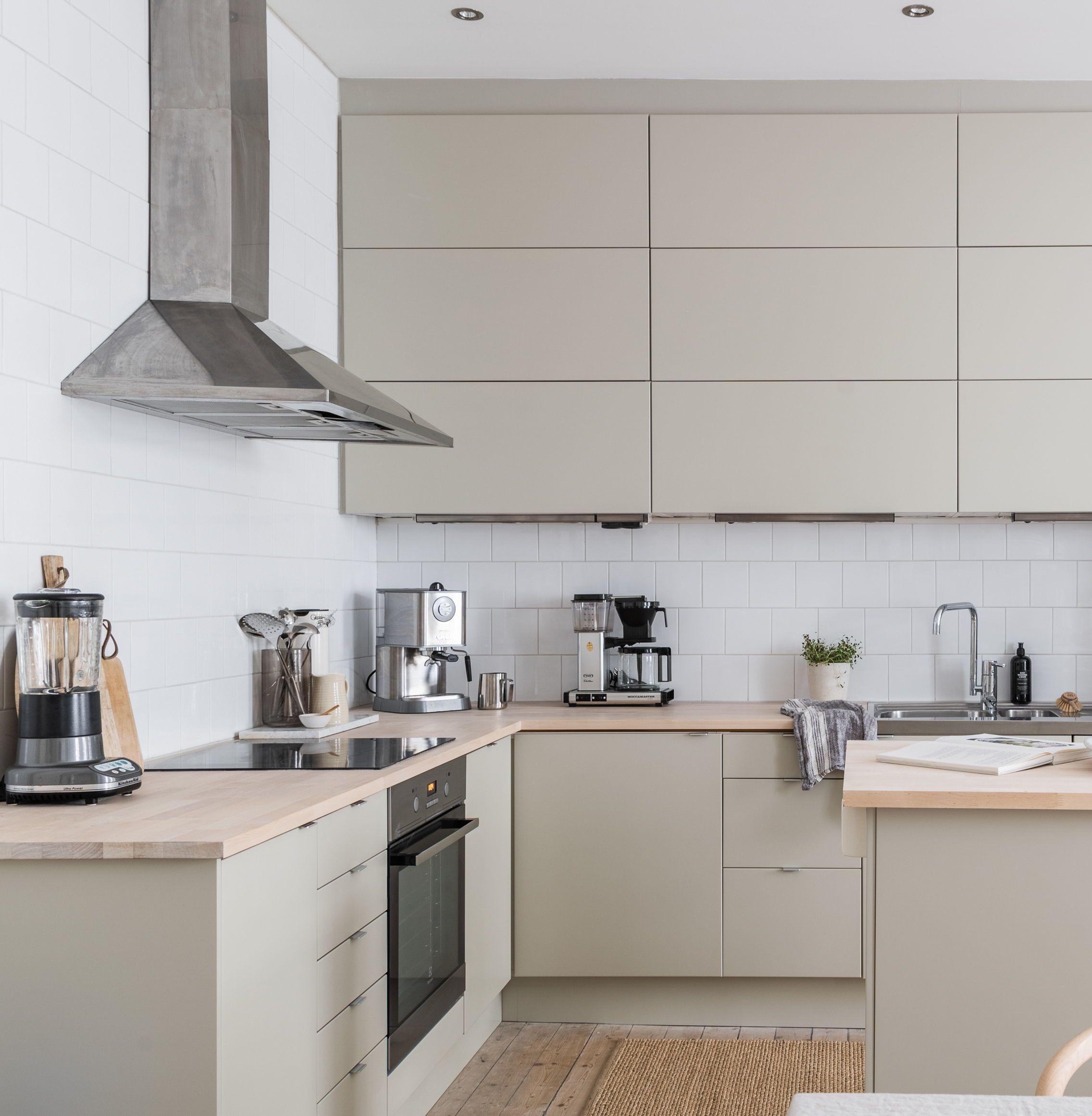 Beautiful beige kitchen - via Coco Lapine Design blog  Beige