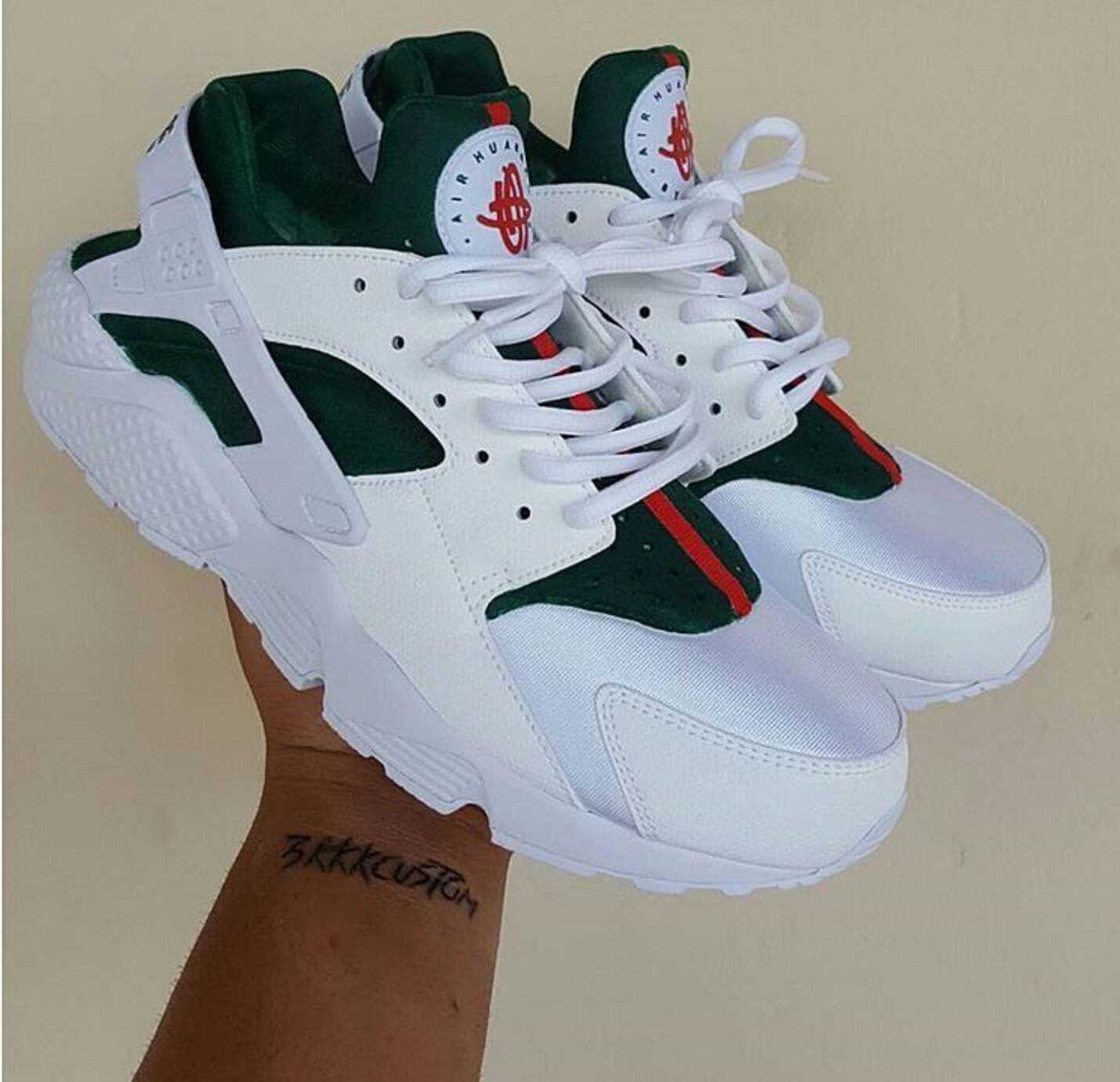 cheap for discount 17fc2 43990 gucci huaraches 🐍 Women s Huarache Shoes, Nike Air Huarache, Gucci  Huraches, Hirachi Nike