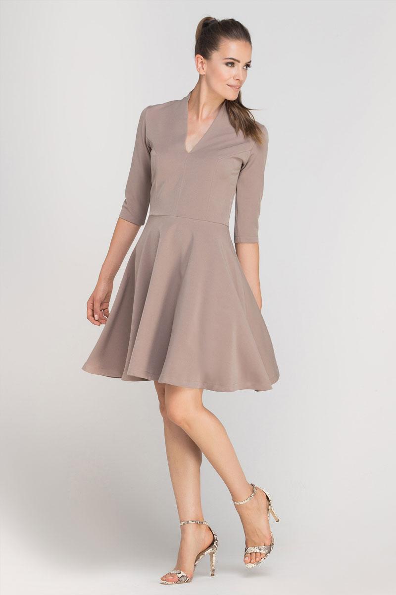 67073c9d65a Cette robe cintrée sublimera votre silhouette et votre féminité. Sa jupe  parapluie taille haute valorisera