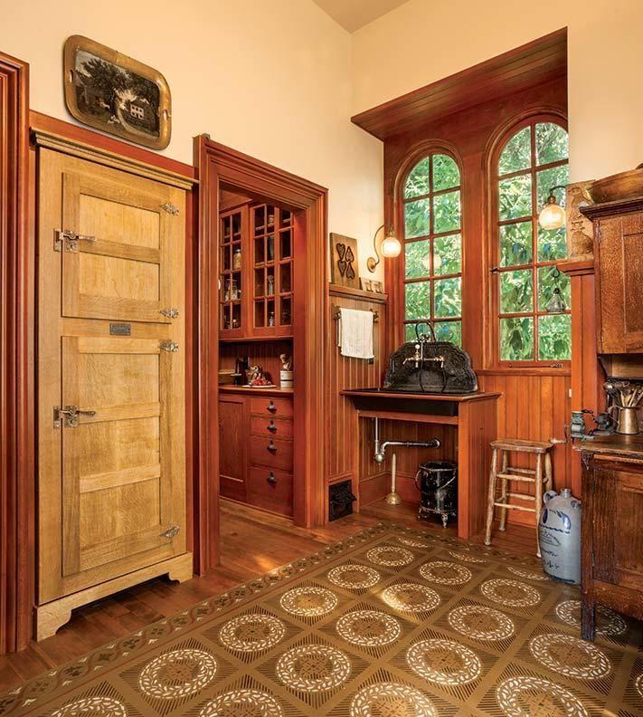 21 Victorian Style Kitchen Design And Ideas: A Period-Perfect Victorian Kitchen