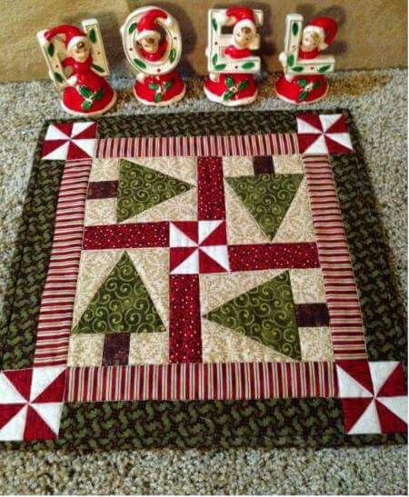 Christmas Tree Table Runner Quilt Pattern: Christmas Tree Centerpiece Table Topper