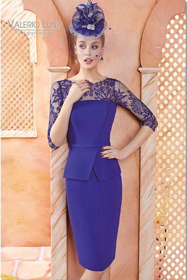 Vestido corto estilo recto, realizado en crepé y chantilly Colección ...