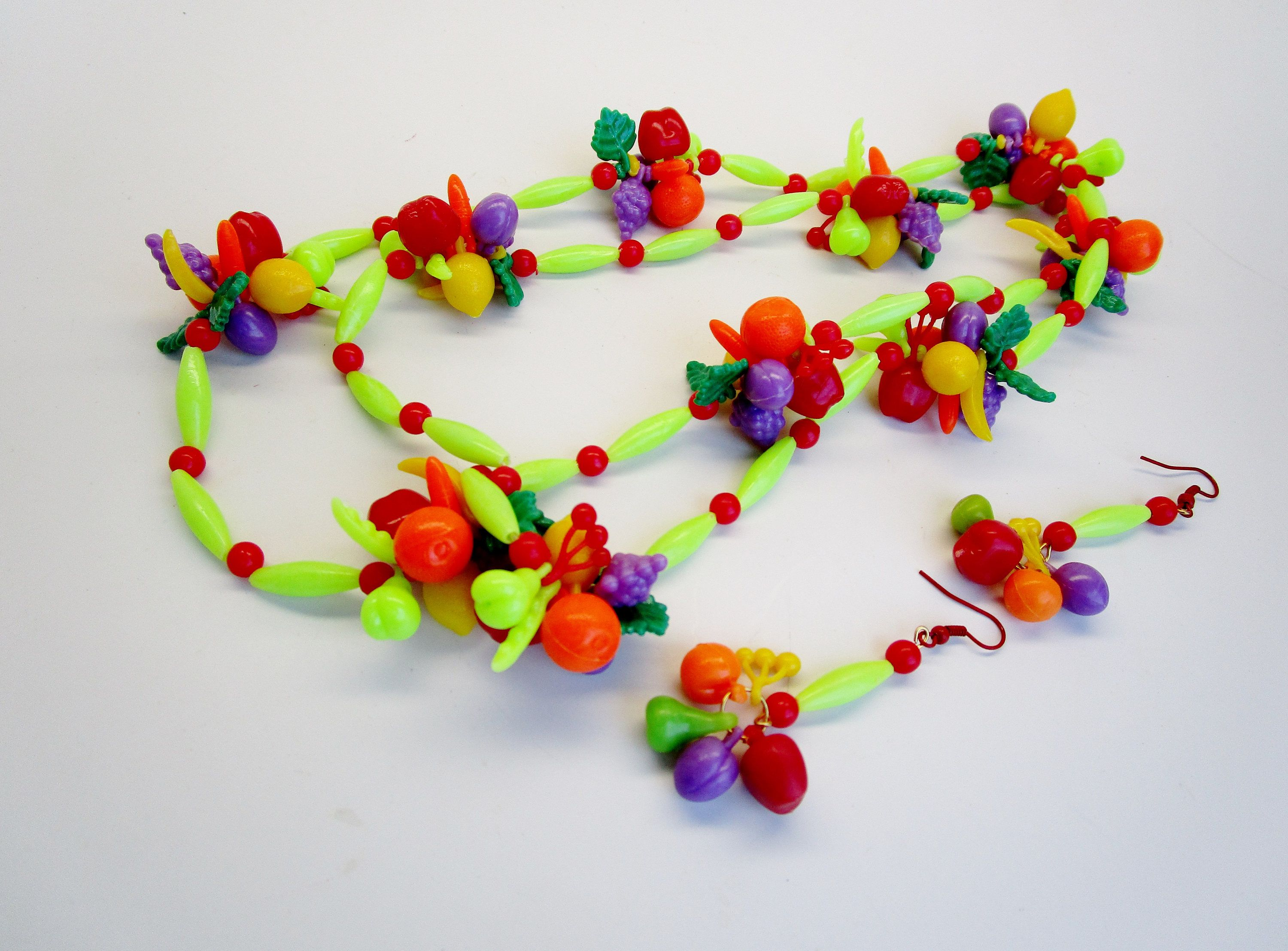 "Vintage Lucite Fruit Salad Necklace 40"" Earrings Set Tutti Frutti Carman Chunky Veggie Orange Lemons Grapes Pea Pods Red Apples Bananas by BagsnBling on Etsy"