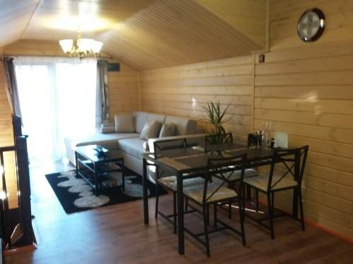 Smolyachkovo Guest house Smolyachkovo Offering a barbecue and ski-to-door access, Smolyachkovo Guest house is situated in Smolyachkovo in the Leningrad Region Region, 41 km from Peterhof. Free WiFi is available throughout the property and free private parking is available on site.