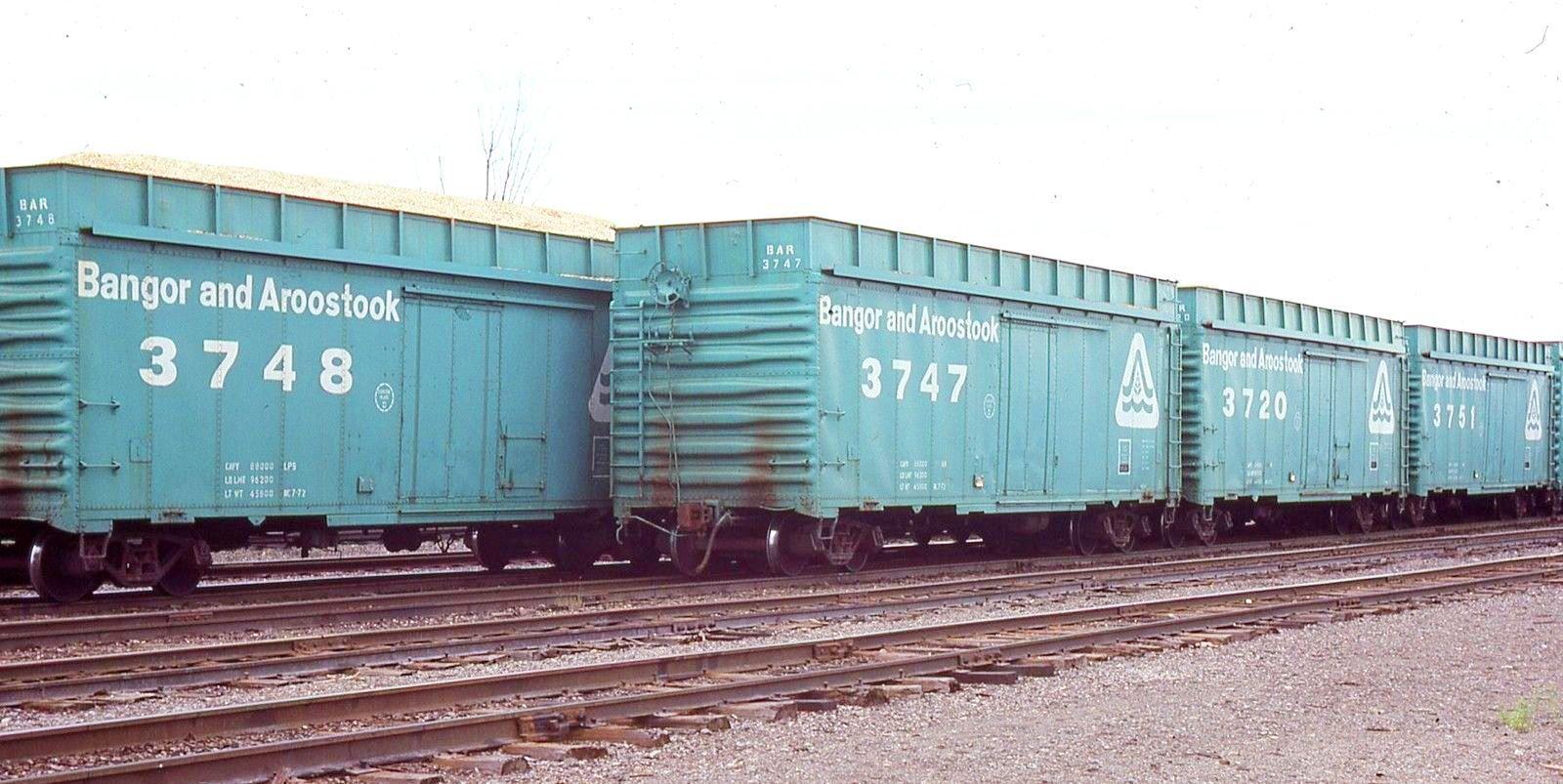 BAR wood chips ebay 1974 Vintage train, Train car, Model