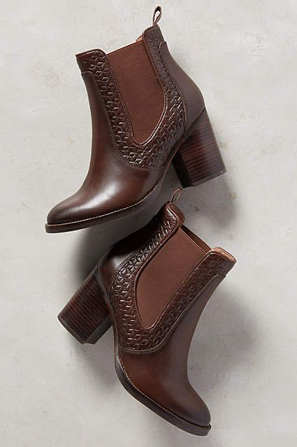 48 Women Boots Fall 2019 You Will Definitely Want To Try is part of Shoes - Trending Women Boots Fall 2019 from 48 of the Insanely Cute Women Boots Fall 2019 collection is the most trending shoes fashion this season  This Women Boots Fall 2019 look related to boots, shoes, ankle boots and shoe boots was carefully discovered by our shoes designers and defined as most wanted and expected this time … 48 Women Boots Fall 2019 You Will Definitely Want To Try Read More »