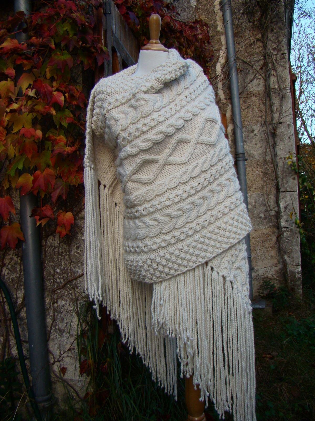 Grande Etole Irlandaise tricotée main en mérinos, alpaga et soie   Echarpe,  foulard, cravate par atelier-lune-de-nacre ed225965bae