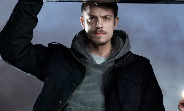 joel kinnaman, hot damn  | i want to be on you | Knight of