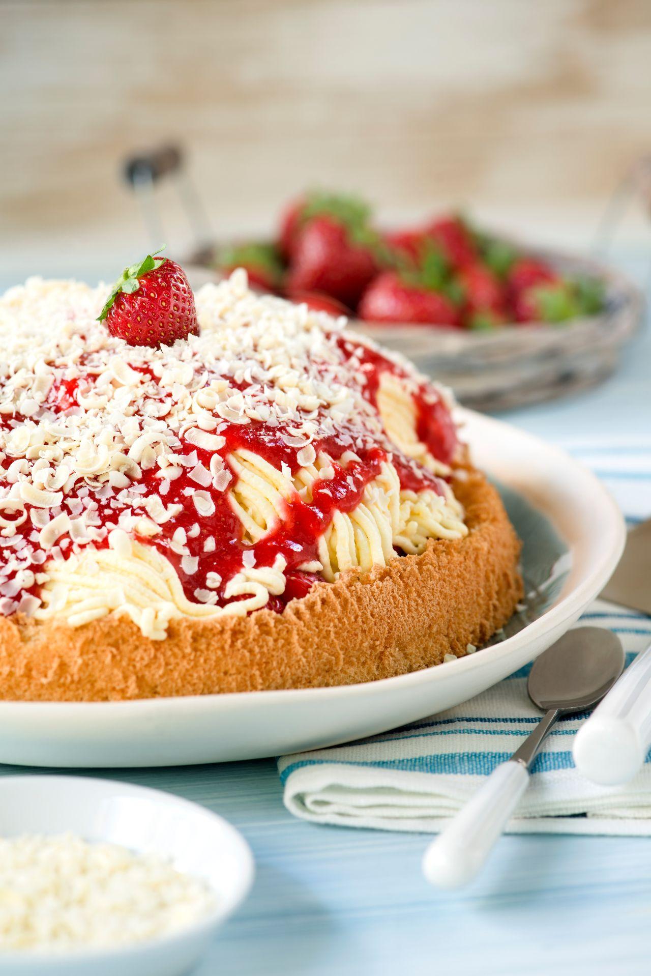 Erdbeer-Spaghetti-Torte
