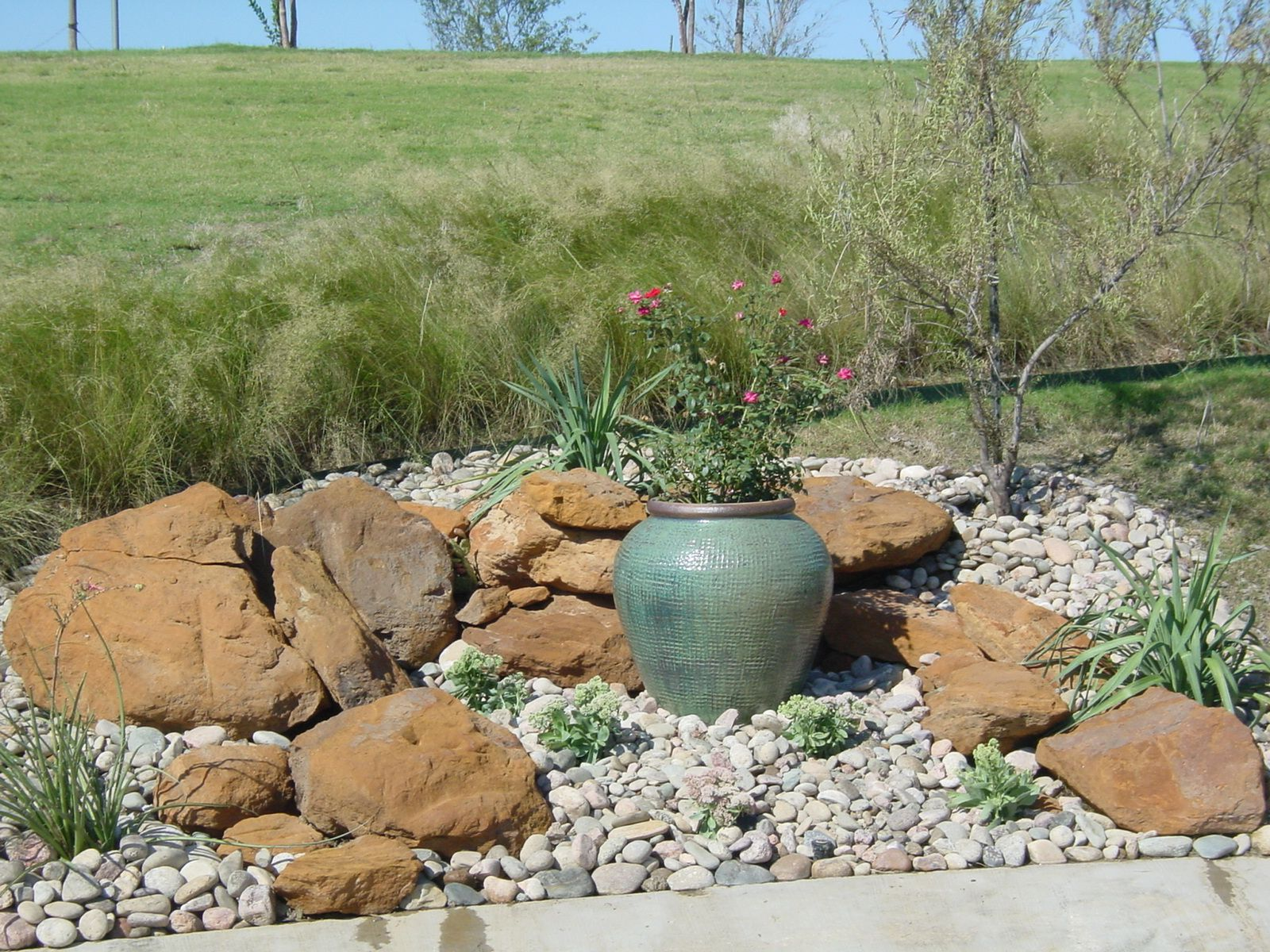 Rock landscaping ideas rock garden dallas tx one for Stone landscaping ideas