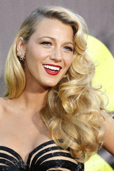 EN IMAGES. Blake Lively en 20 coiffures Coiffures
