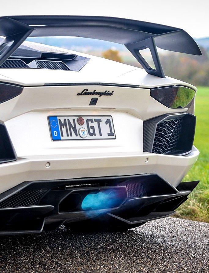 The 2012 Lamborghini Aventador Lp700 4 Hits 0 60 Mph 2 8 Secs And
