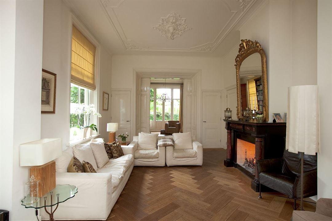 Fijne sfeer, kleuren, mooie schouw Bussum interieur algemeen