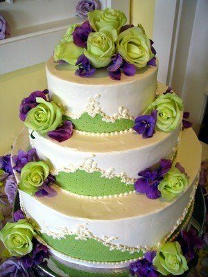 Purple And Green Cakes With Flowers With Images Green Wedding