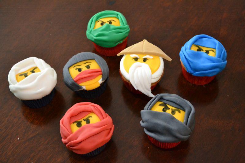 ninjago cupcakes ninjago lego pinterest ninjago geburtstag f r kinder und geburtstage. Black Bedroom Furniture Sets. Home Design Ideas