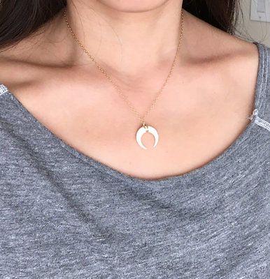 4e0af21fef04 Pequeño Blanco Hueso Doble Cuerno Colgante Collar Media Luna De Plata Oro  Rosa