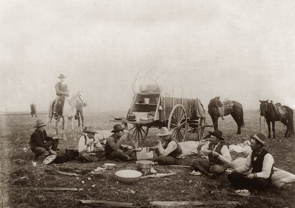 Cowboys around a chuck wagon in the Texas panhandle, 1906. Traces of Texas