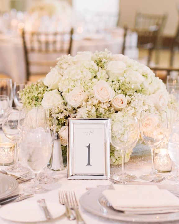 Gorgeous wedding centerpiece idea; photo: Tanya Salazar Photography