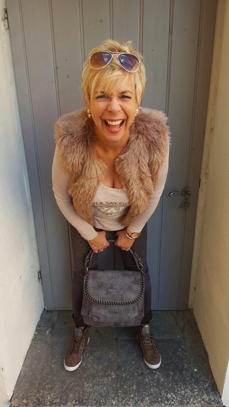Lautenschlager Wohnen & Accessoires • Marktplatz 1 • 93133 Burglengenfeld ♡  Kommt uns doch besuchen und verliebt Euch in die tolle Herbstkollektion! 🍃🍂  Mehr Bilder findet Ihr auf unserer Facebook-Seite 》www.facebook.com/LautenschlagerBurglengenfeld   #herbst #autumn #fashion #style #trend #mode #lautenschlager #burglengenfeld .