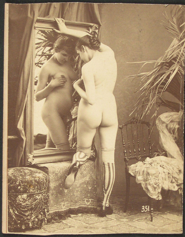 nude women of viet nam