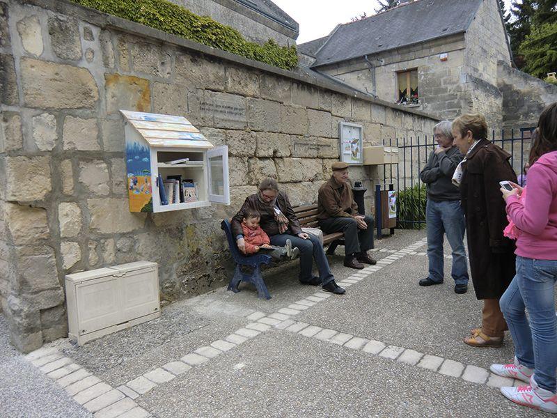 Installation d'une boîte à livres (Commune de Ressons-le-Long – Aisne, 02)