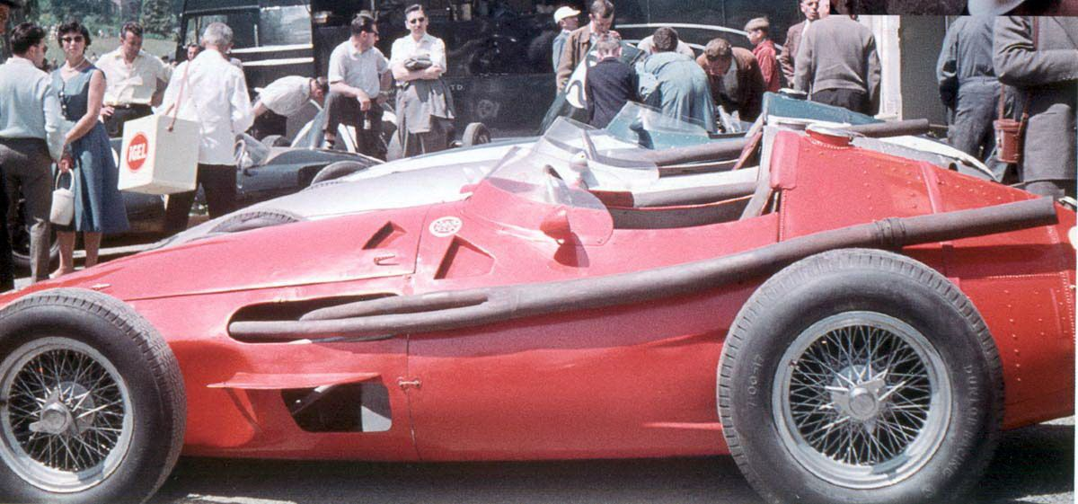 Spa 1958 La Maserati 250F della Scuderia centro Sud portata in pista da Maurice Trintignant.