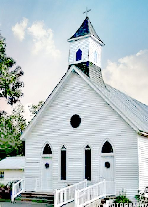 Southern Churches Were Often Built With 2 Doors For Men And Women Church Steeple Abandoned Churches Church Building