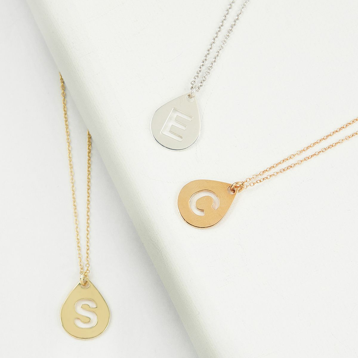 Personlasied initial necklace beautiful personalised gift