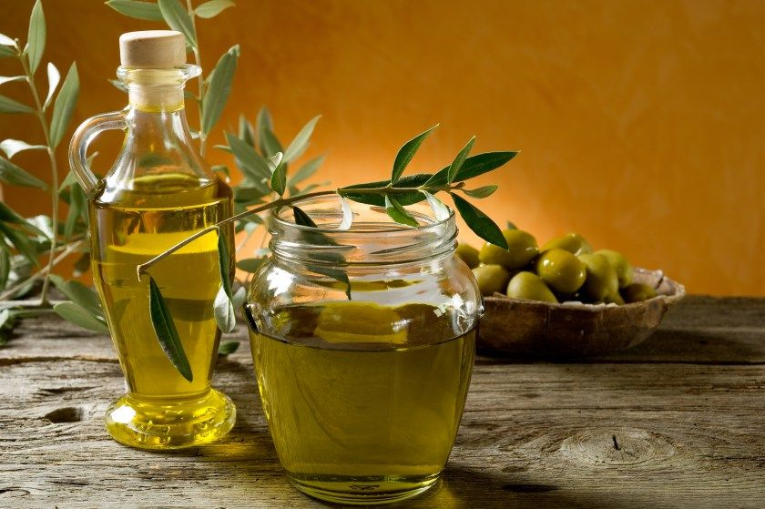 Cholesterol lowering foods Cooking with olive oil, Hot