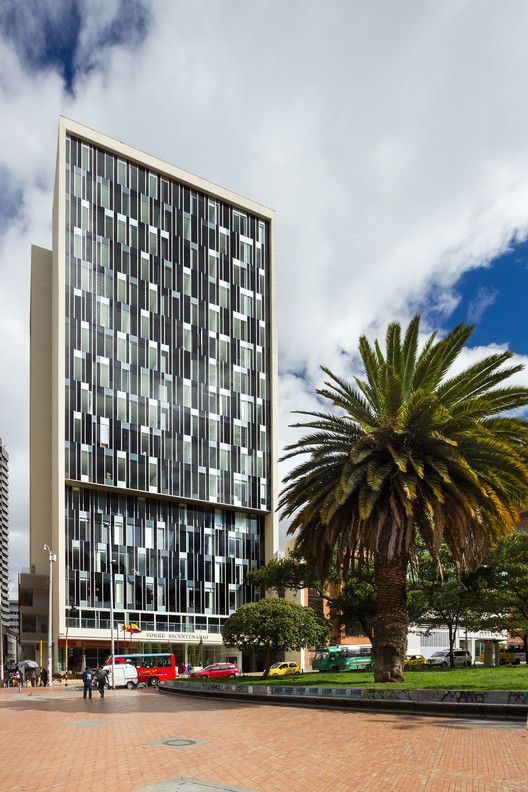 Bicentennial tower entorno aid cms gmp facades for Aide facade
